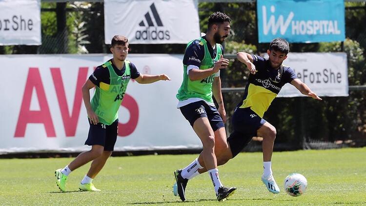 Fenerbahçe'de yeni sezon hazırlıkları sürüyor
