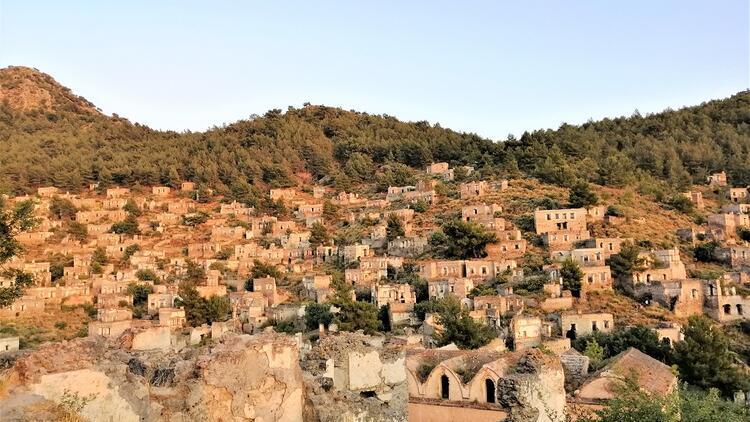 Türkiye'nin en zanaatkar köyü: Kayaköy