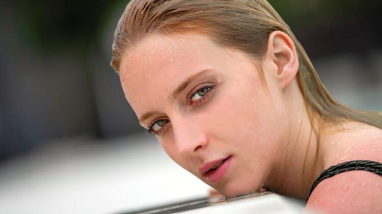 Genç bir kadın oyuncunun isyanı: Tek tip olmak zorunda değiliz!