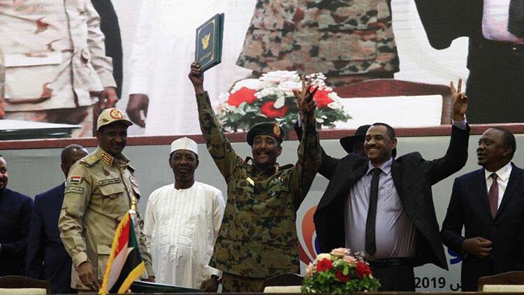 Son dakika... Sudan'da Anayasal Bildiri anlaşması imzalandı