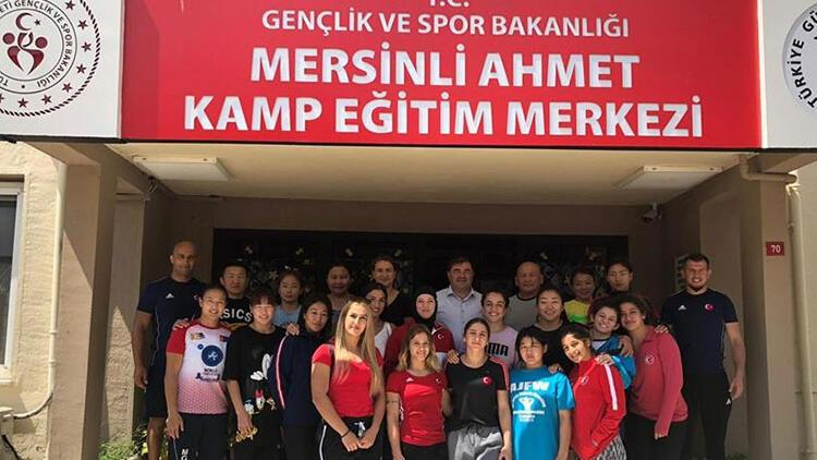 Musa Aydın'dan Serbest Güreş Milli Takımı'na ziyaret