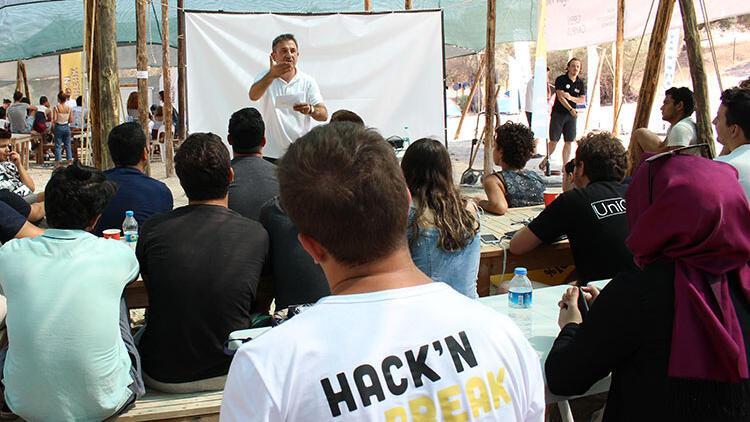 4. HacknBreak: Açık İnovasyon Kampı 24 Ağustos - 1 Eylül tarihlerinde Urla'da gerçekleşiyor
