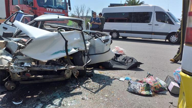 Yolcu otobüsüne çarptı! Feci kaza…