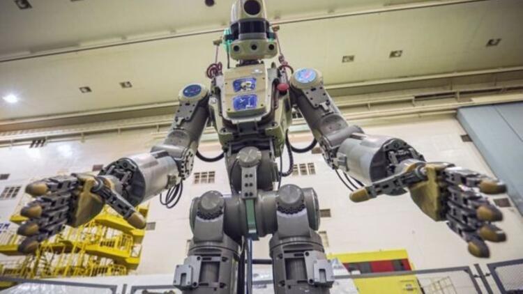 Rusya, uzaya 'insansı robot' yolladı