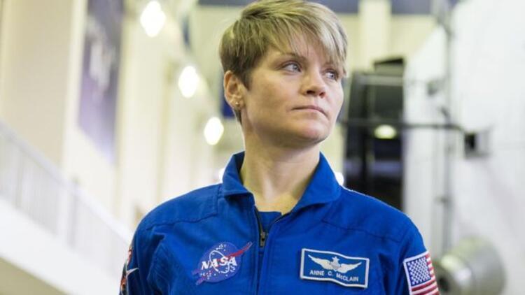 'Uzay İstasyonu'ndan eşinin banka hesaplarına girdi'