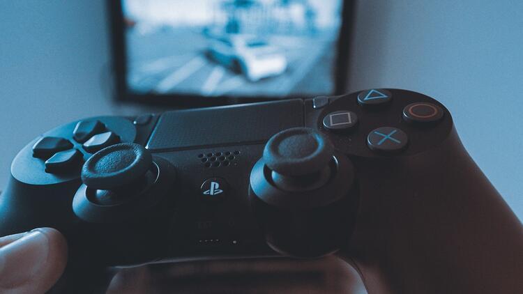 Sony, PlayStation 4 oyun fiyatlarını indirdi