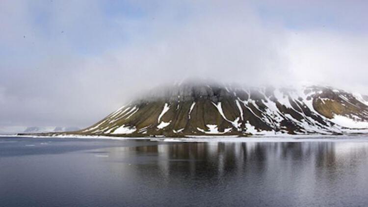 Rusya, Kuzey Kutbu'nda bir öğrencinin keşfettiği beş adayı topraklarına kattı