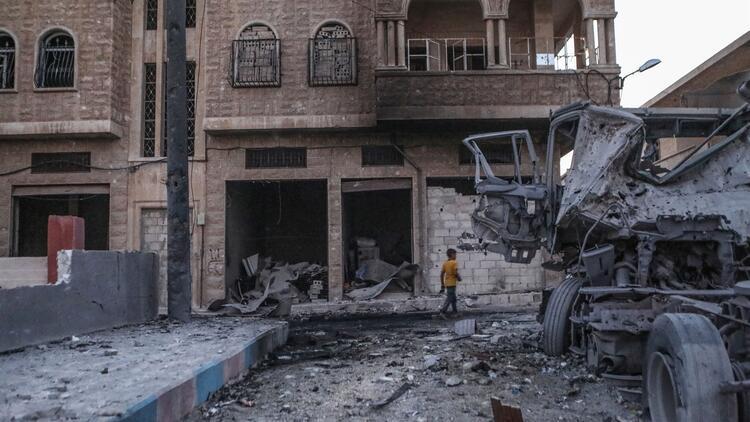 Esed, Rusya'nın desteğiyle İdlib'de bir beldeyi ele geçirdi