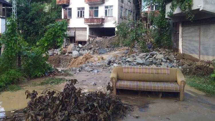 Trabzon'da şiddetli yağış hasara yol açtı
