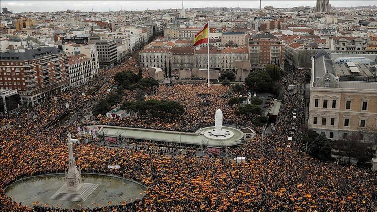 İspanya'da  otomobil satışları düştü