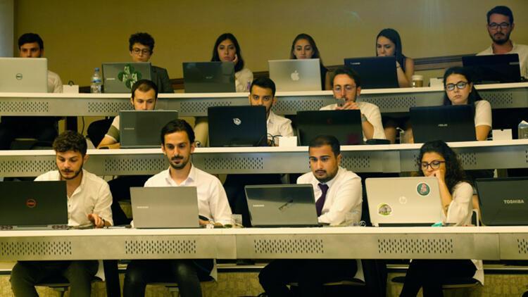 Bilişim sektörüne nitelikli iş gücü yetiştiriyorlar