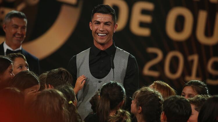 Portekiz'de yılın futbolcusu Ronaldo! Quinas de Ouro ödülleri...