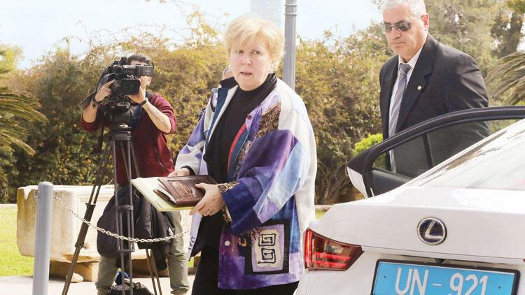 BM Temsilcisi Kıbrıs'ta mekik diplomasisinde