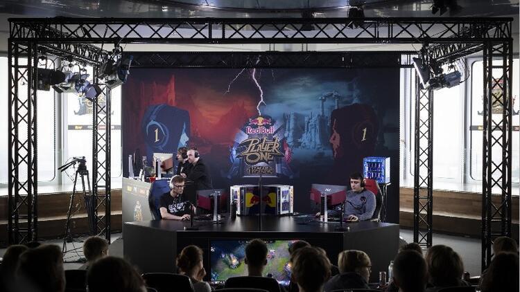 Red Bull Player One 'Teke Tek' League of Legends Turnuvası GameX'te!