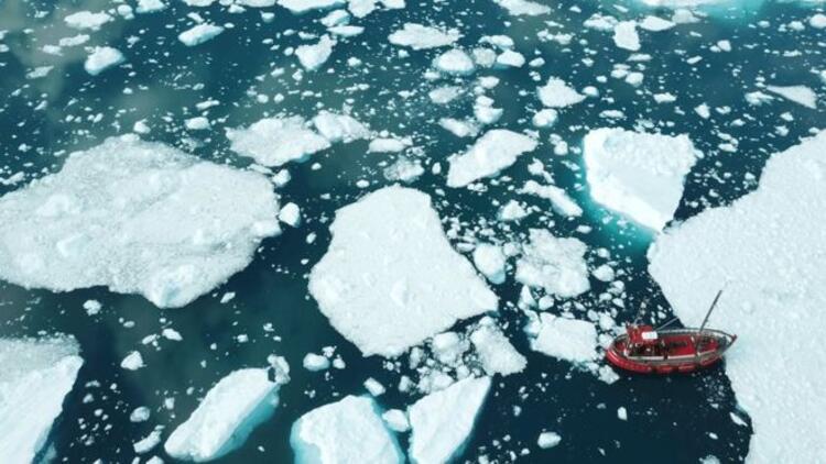 Grönland'daki bir buzul 15 yılda 100 metre inceldi