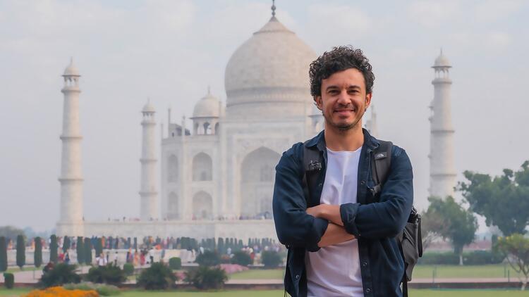 Buray'ın Hindistan'da klip macerası... Tac Mahal'e girmek için gizlice duvardan atladık