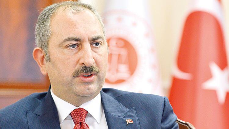 Adalet Bakanı Abdulhamit Gül: Eleştiriler ceza konusu olmamalı