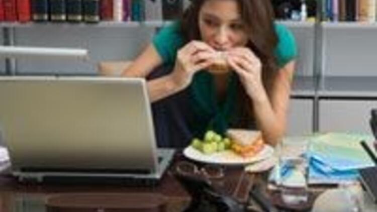 Kilo almamak için ofiste doğru beslenin!