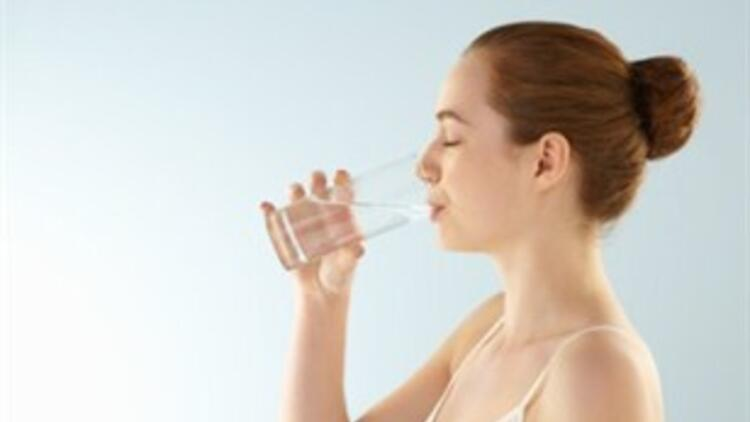 Su tüketimini artırmanın 7 pratik yolu