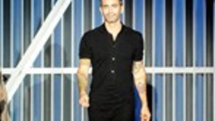 Marc Jacobs artık elbise giyiyor!