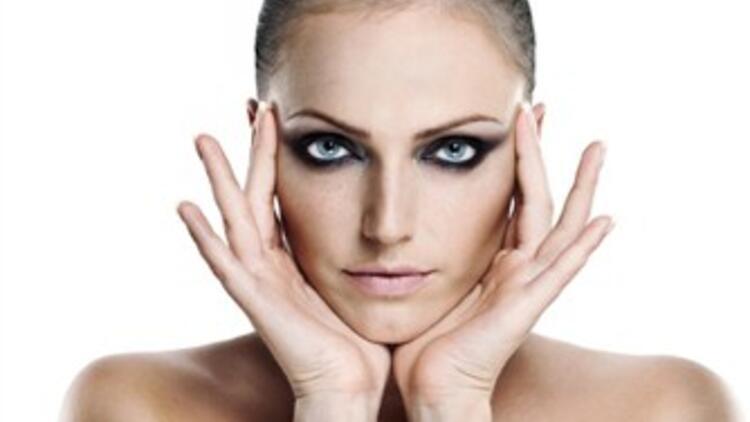 Hızlı ve etkili makyaj nasıl yapılır?