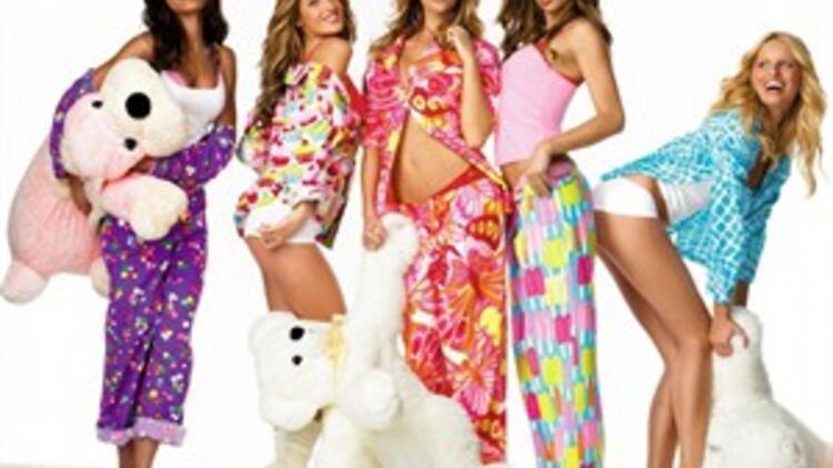 Victoria's Melekleri ile pijama partisi