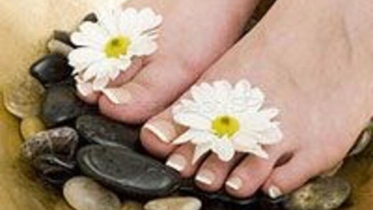 Soğan nasıra iyi gelir; kekik yağı ayak kokusunu önler!