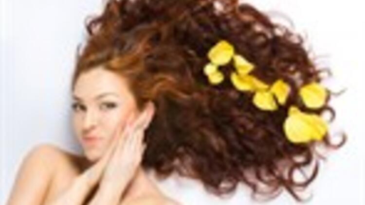Yaz Aylarında Saç Bakımı Nasıl Olmalı?