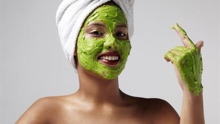 Güneşten Zarar Görmeyi Engelleyen Pratik Maskeler