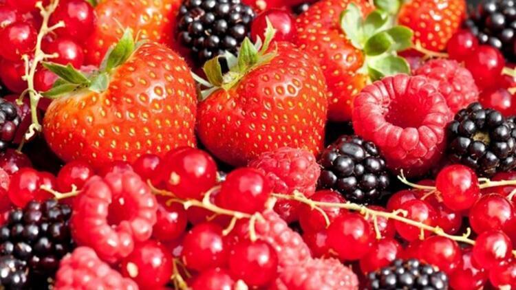 10 Yaş Genç Görünmenizi Sağlayacak 10 Yiyecek