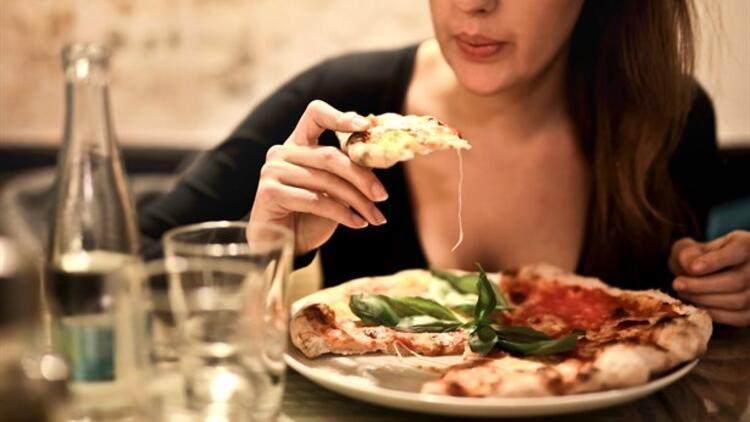Dışarıda Yemek Yerken Dikkat Edilecek 10 Adım
