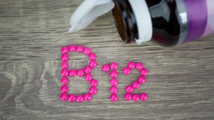 B12 Eksikliğinin Belirtileri Neler?