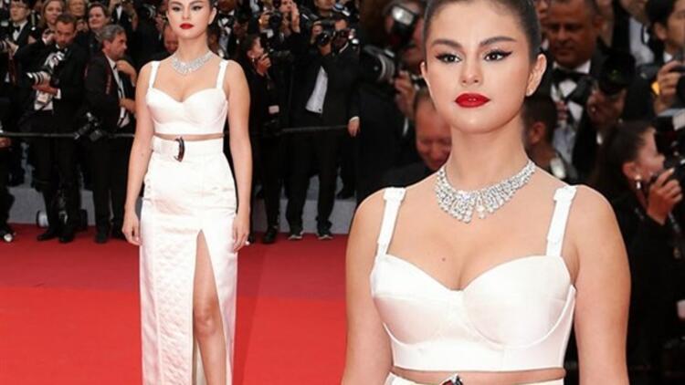 Güzellik Uğruna Tüm Bunlara Değer mi Selena?