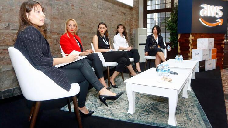Dijital dönüşümü yönlendiren kadınlar bir araya geldi