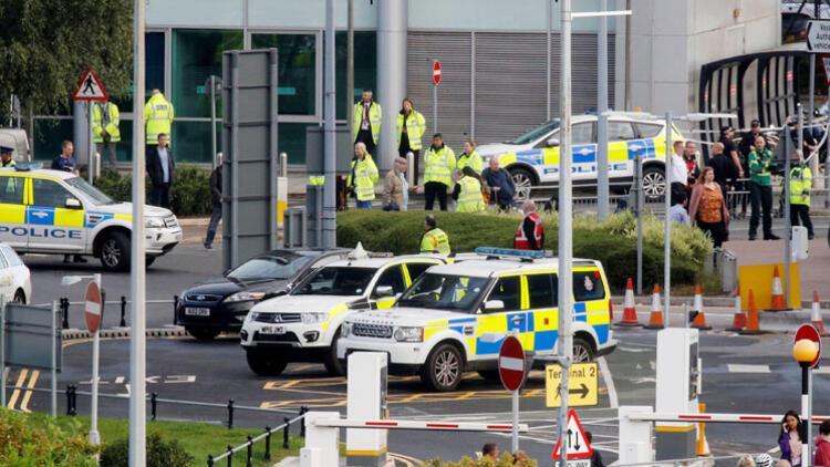 İngiltere'de şüpheli paket patlatıldı: İstasyon kapandı, tren, metro ve otobüs seferleri durdu