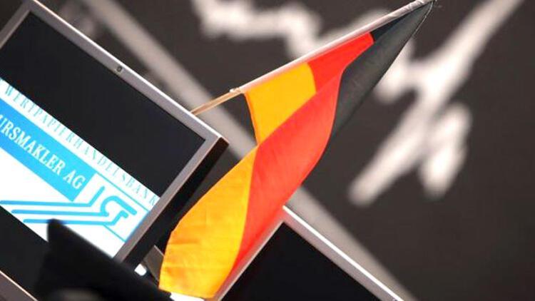 Almanya'da imalat PMİ, son 10 yılın en düşüğüne geriledi
