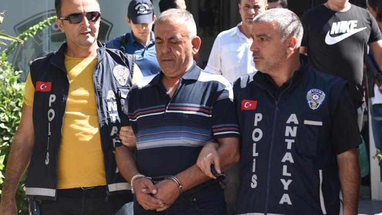Antalya'da yaşlı kadının başına çekiçle vurup gasbeden saldırgan yakalandı