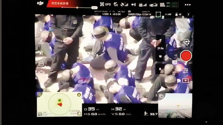 Drone ile çekilen bu tutuklular Uygur Türkleri mi