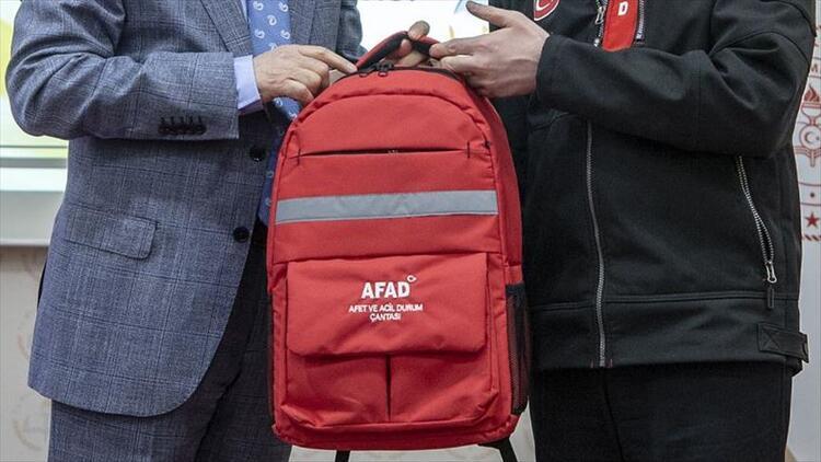Deprem çantasında bulunması gerekenler neler? Deprem çantası hazırlarken neler konulmalı?