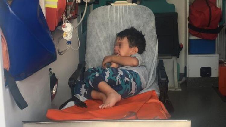 Annesi tarafından minibüste bırakılan engelli çocuk fenalaştı