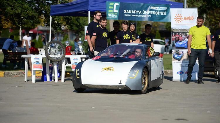 Üniversite öğrencileri çevre dostu elektrikli araç üretti