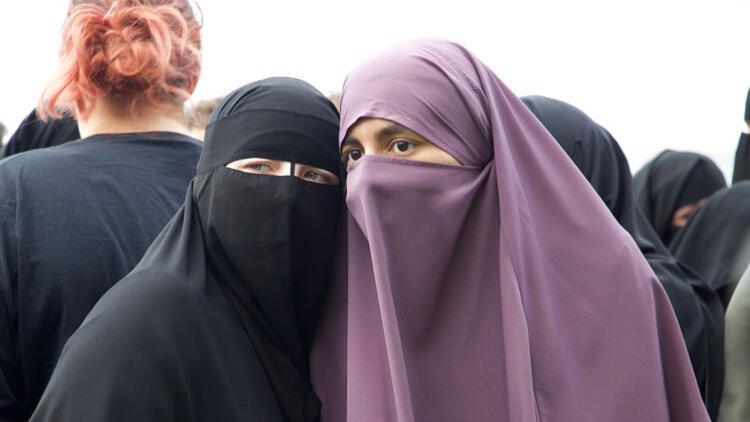 BM'den Hollanda'ya 'burka' eleştirisi
