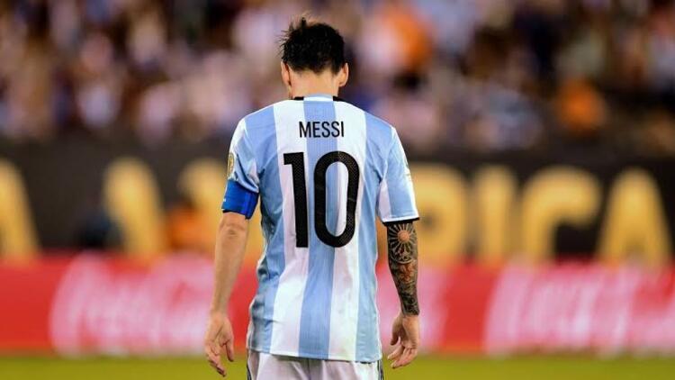 Messi milli takımda neden yok?