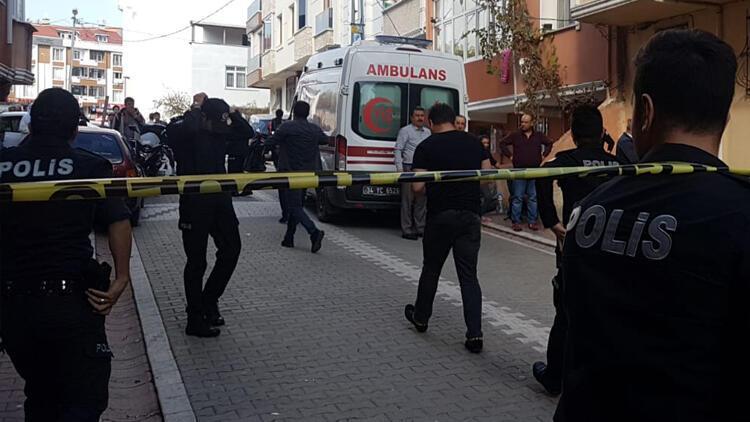 İstanbul'da vahşet! Evine girdiği kadının boğazını kesti...