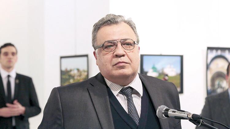 Karlov davasında üç sanığa tahliye