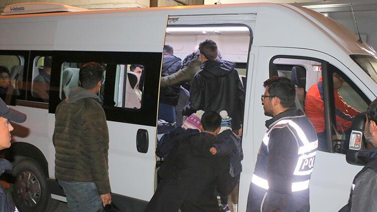 Foça'da 42 göçmen yakalandı