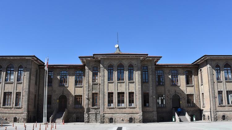 125 yıldır hizmet veren okul