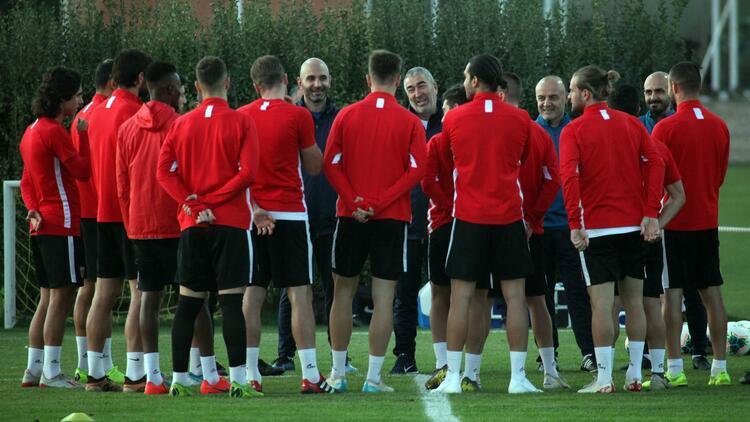 """Samet Aybaba: """"Kayserispor ligde daha iyi yerleri hak ediyor"""""""
