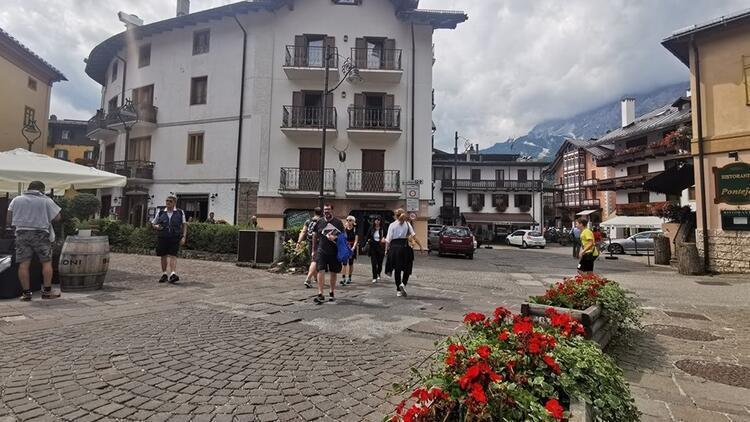 Dolomitler'in kraliçesi: Cortina d'Ampezzo
