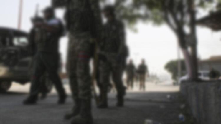 Yaralı teröristlerin oyununu bölge halkı bozdu